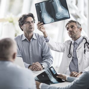Doctors reviewing xray
